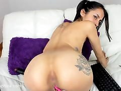 Latina Camgirl Winks Pink Asshole