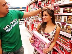 Petite Young Latina india poren vedios In Braces Gets Picked Up At Walgreens