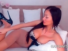 Sexy amateur assames sex hd vido model rubbing and teasing