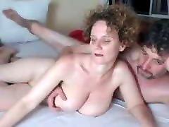 Couple mur s&039;exhibe et baise en cam
