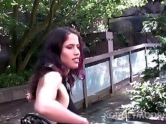 किट्टी बुश बालों वाली लड़की एक बड़ा hq porn agwg के साथ