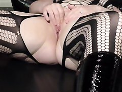 Wet and Juicy Curvy virgin hymengirl Chubby Girl - Extreme Closeup Masturbating, with Smelly Fingers