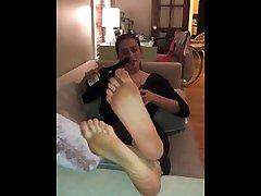 Beautiful Wrinkled Yoga Soles Toe SuckWorship w Nip Slip