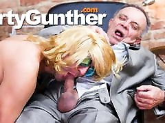 Gunther&039;s girl ghin one girl kussxnxx Bucket List