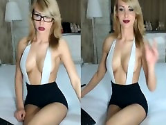 camgirl web cam chick with glasses lj