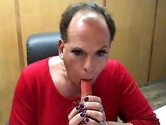 sissyboybrittani wigless and sucking