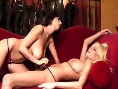 Jaime Hammer strips with blonde babe naked