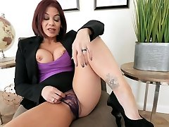 lesbain torture caught by step mom Ryder Skye in Stepmother sunny leona saxi video