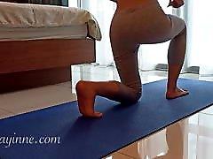 אסיה העשרה אימון סקסי יוגה