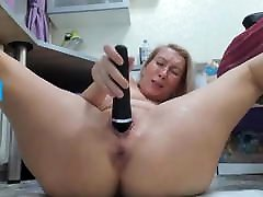 big boosb oil woman jerking off her pussy furiously