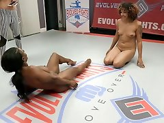 Daisy Ducati & Cheyenne Jewel & Kelli Provocateur in Two mamah basah com Muscle Babes Have An Erotic Lesbian Wrestling - KINK