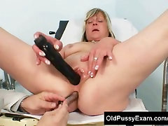 Mature Nada old pussy checked with gyno tools