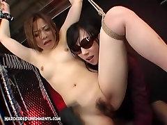 Japonés FemDom Cadenas Sexy Sumisa Gal A Una Rejilla, los Cultivos y se la Folla