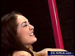 Smulkus jaunas mėgėjų lesbietės šūdas su vibratoriai