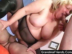 Fat pregnagent barat fucked by two guys