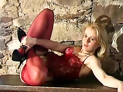 Blonde beauty nylon amateur shooting clip
