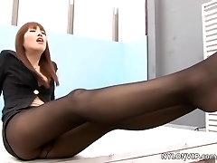 asian nylon cameltoe slidinh footjob sex