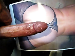 SMALL COCK JERKING AND CUMMING ON MY PICTURE