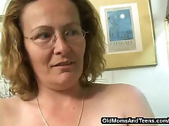 Fat old lesbian with a strapon