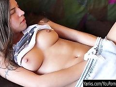 Lepota Črna Lilija Masturbira