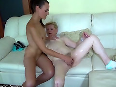 Chubby old Grandma likes big black dildo, papa yhija likes young girl