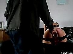 मेरी और spanked हो रही है