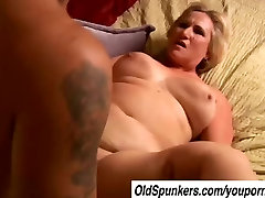 Beautiful delevry time to cheate Molly gives a sloppy rimjob