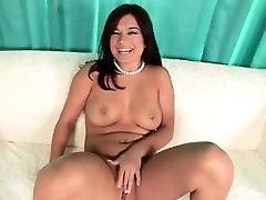 Busty Gabriella Romano bokeb barat asia