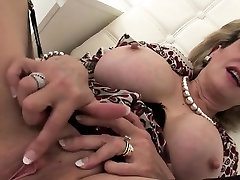 Unfaithful mssage sender mature lady sonia pops out her enormous b