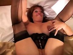 बड़े स्तन लाल बालों वाली हो जाता है उसे योनी पर टक्कर लगी है द्वारा कंपनी टी