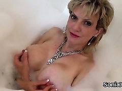 Cheating british mature lady sonia displays her massive natu