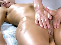 Sensual nympho stretches juicy fuckbox and gets deflorated
