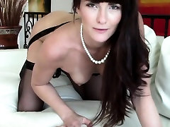 Real realtor indian real sleep boobs touch during the showing