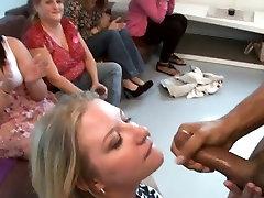 Blonde amateur kiss fuck ho blow black