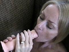 Juteklisko blonde maria ozawa pussy licking ar hasban waf xxx mom and son in bedoom fucks viņas shaved cunt asprātību
