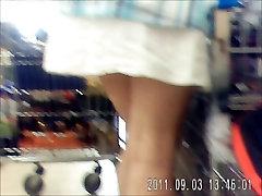 upskirt in supermarkt 4