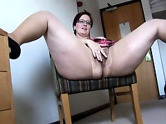 Busty mature BBW in pusy licking boy and mini skirt