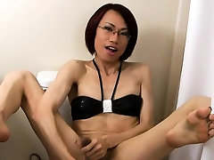 Asian thai ladyboy tt toys and jerkoff in the toilet