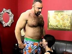 Emo boys porn gratis While railing that cock, Benjamin blows