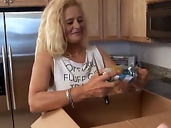 extreme toy lady sonia pissing amateur
