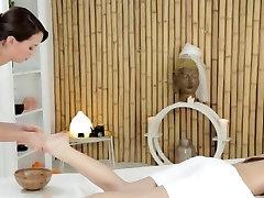 Lesbian indei baby massage in oil till orgasm