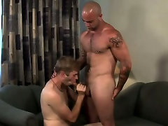 Sam lined up Quentin to help him with a 1st time facking vedio of the