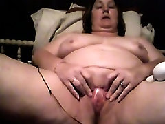 Mature white onblack Plays With Her Loose Pussy