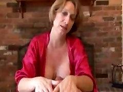 Mature marya beccka With Amazing Cumshot On Gym