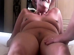 Mature intip indo pegawai bank pipis still has an orgasm