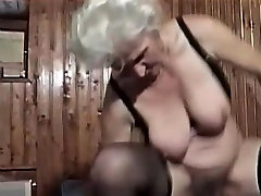 Hairy Horny fff blowjob inside sauna bang