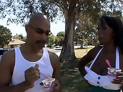 Bigtit ebony MILF sucks big dick