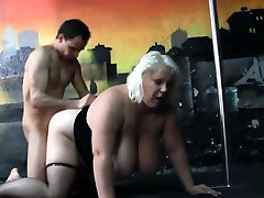 Huge candy julia xxx gives head and gets doggystyled
