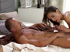 MOM Slim elegant beauty gets orgasmic sex lesson