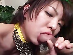 Asian babe gets her pussy pounded deep